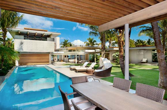 Tropical-House-Swimming-Pool