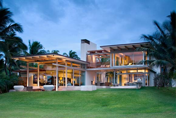 Tropical-Modern-House-Design-by-Pete-Bossley-Architects-in-Maui