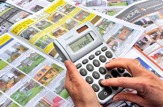 La baisse des prix de l'immobilier devrait s'accentuer en 2014 - AFP