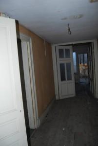 Les plateaux n'étaient au départ du projet que des anciennes chambres de bonne, totalement défraîchies et plus utilisées depuis très longtemps...