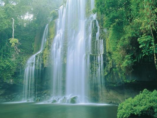 Costa-rica cascade