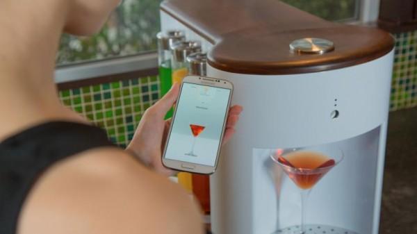 Somobar robot cocktail