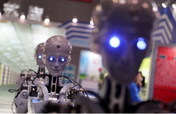 humanoid-robots-are-displayed-at-the-17th-china-international-industry-fair