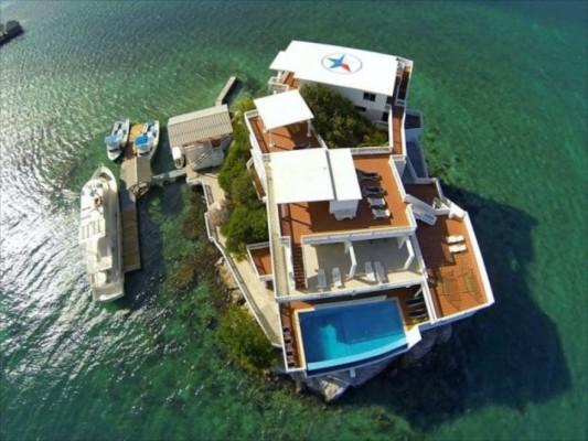 villa on dunbar rock 11
