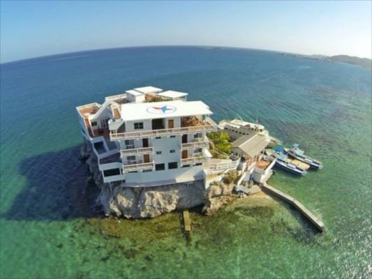 villa on dunbar rock 7