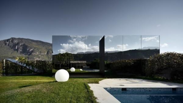 Mirror-Houses