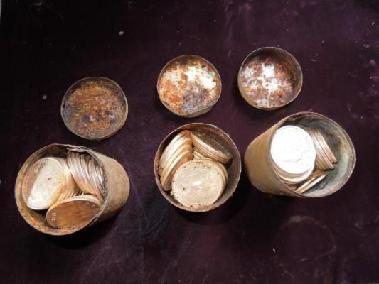 7 pots en or