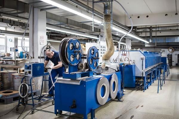 Harrys factory German