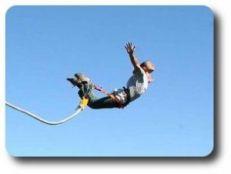 saut elastique 300x226 Des rendements et moins de risques que sur les actions grace aux trackers